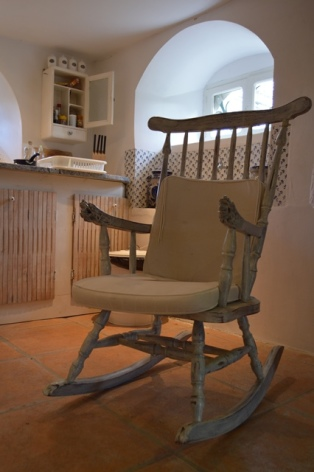 9-rocking-chair.jpg