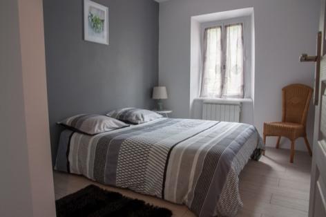 4-8-chambre-2---possibilite-lit-pliant-d-appoint.jpg