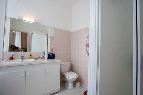 4-Salle-d-eau-avec-fenetre-appartement-n-4.jpg
