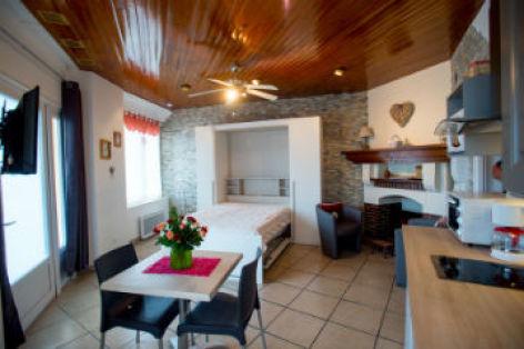 0-Appartement-du-Montagne-cuisine-en-1er-plan-CATALOGUEpp.jpg