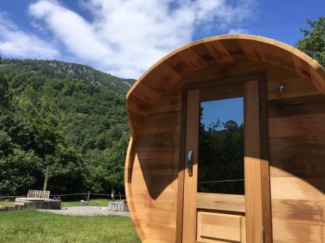 21-HPM13-Chalet-Nordique-FrechetAure-sauna.JPG