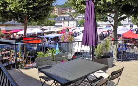 10-terrasse1-cazajous-argelesgazost-HautesPyrenees-2.jpg