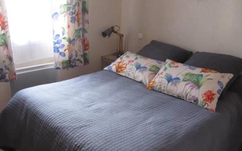 2-chambre-cossard-argelesgazost-HautesPyrenees.jpg