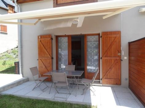 5-VLG342-Granges-de-Trescazes--terrasse.jpg