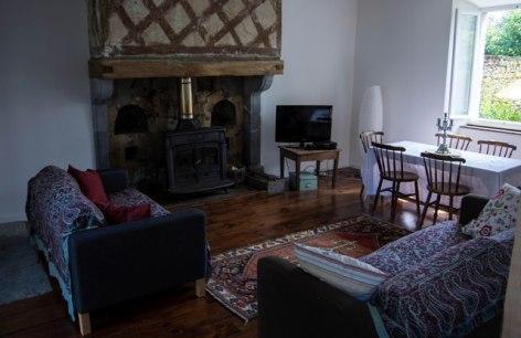 4-Living-room.jpg