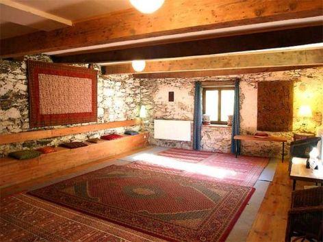 4-yoga-relax-room.jpg