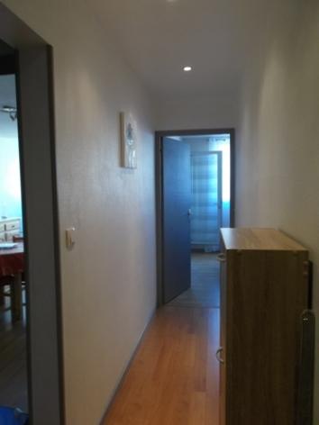 10-Couloir-donnant-sur-chambre-2017-W.JPG