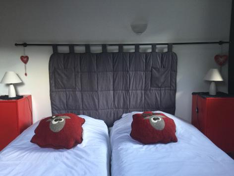 8-chambre3-maisoncamelat-arrensmarsous-HautesPyrenees.jpg