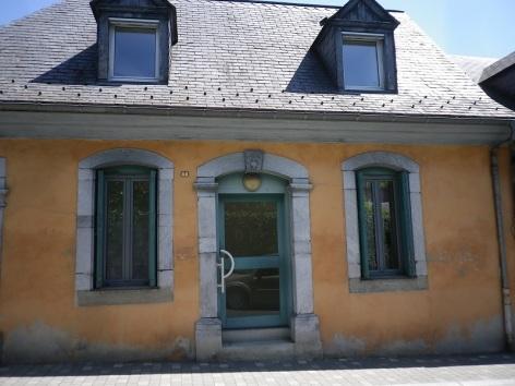 3-laran.facade.HautesPyrenees.jpg