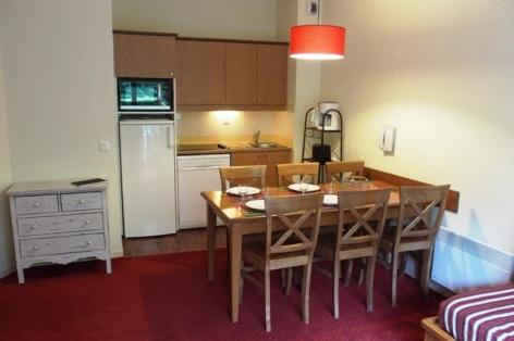 0-COLAS-Rives-de-l-Aure-11-cuisine-salle-a-manger.JPG
