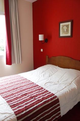 3-COLAS-Rives-de-l-Aure-11-chambre-1.JPG