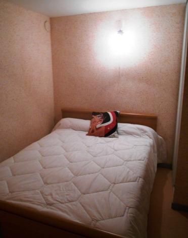 1-ETIENNE-Portes-du-Soleil-39-chambre.JPG