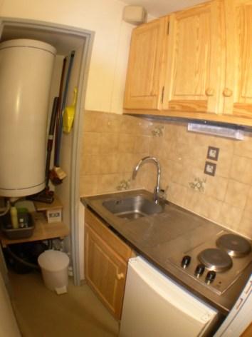 6-05-kitchenette--Copier-.JPG