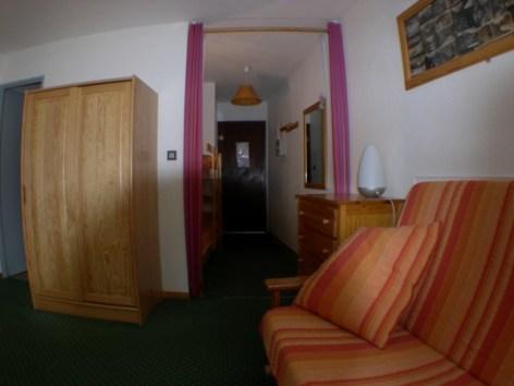 8-07-couloir-entree--Copier-.JPG