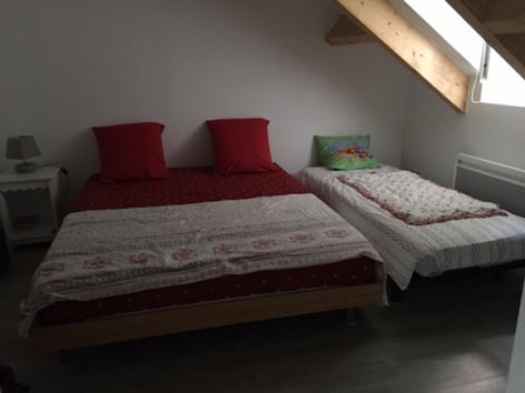 5-chambre-barteau-argelesgazost-HautesPyrenees-2.jpg