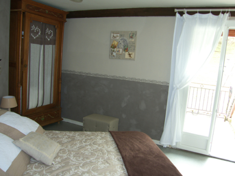 8-chambre4-pratdessus-esterre-HautesPyrenees.jpg