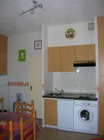 3-kitchenette-4.jpg
