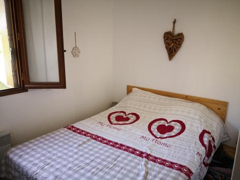 5-F-chambre-verger-gavarnie-HautesPyrenees.jpg