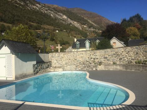5-piscine1-theil-esterre-HautesPyrenees.jpg