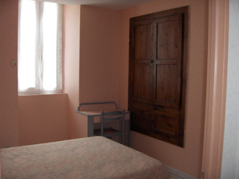4-chambre2-theil-esterre-HautesPyrenees-4.jpg