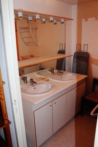 6-Salle-de-bain-premier-etage.SIT.jpg