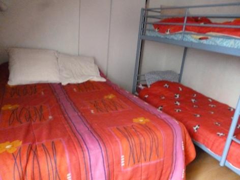 17-Chambre-Etage-lits-superposes.JPG
