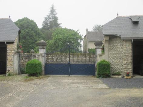30-vue-portail-depuis-cour.JPG