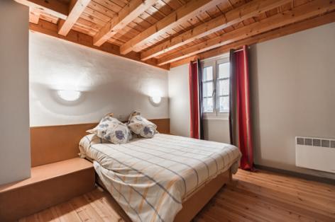 3-chambre2-catelan-arrensmarsous-HautesPyrenees-3.jpg