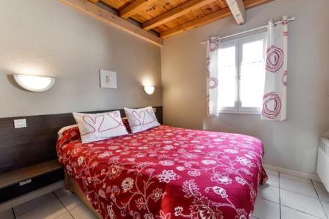 2-chambre1-catelan-arrensmarsous-HautesPyrenees-4.jpg