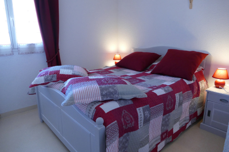 6-chambre1-lepine-argelesgazost-HautesPyrenees.jpg
