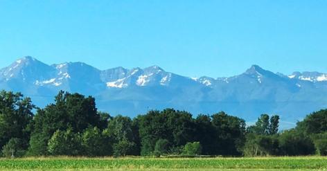 9-Vue-imprenable-sur-la-chaine-des-Pyrenees.JPG