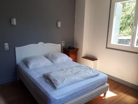 4-chambre1-philippart-argelesgazost-HautesPyrenees.jpg