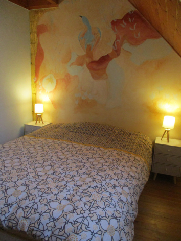 5-chambre2-rougier-esquiezesere-HautesPyrenees.jpg