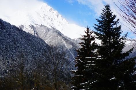 29-Clos-Beaupeillas-Bazus-Aure-vue-montagne.JPG