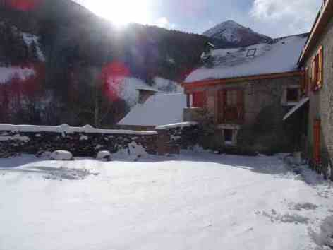 6-6-CHALET-CHEZ-LOUISE-ext-neige.JPG