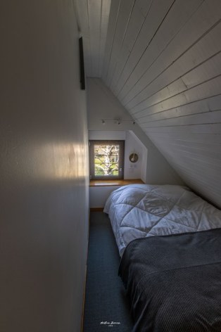 3-CALVET-GRANGE3--Birrien-chambre2-lit-en-140-WEB.jpg