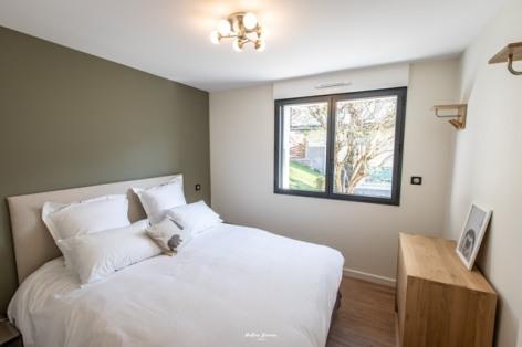 5-BRUN-Chalet-Comfort--Birrien-chambre-2.jpg