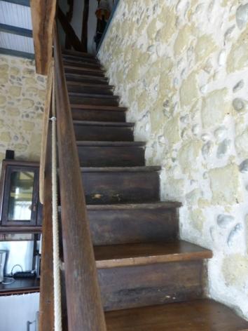 3-Castelvidouze-escalier-web.JPG