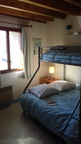 6-chambre-2-Boutrouelle-sit.jpg