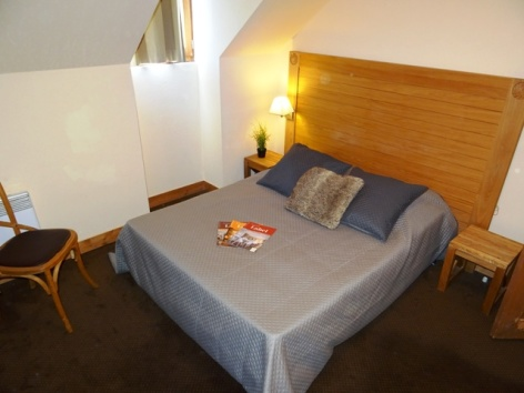 3-Namur-Cami-Real-chambre-2.JPG