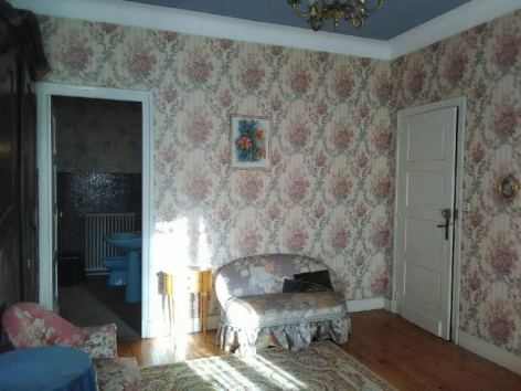 0-chambres-fleurs-roses-et-sde-privative.JPG