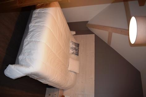 5-6-DEVAINE-Le-Nestou-2-chambre-5.JPG