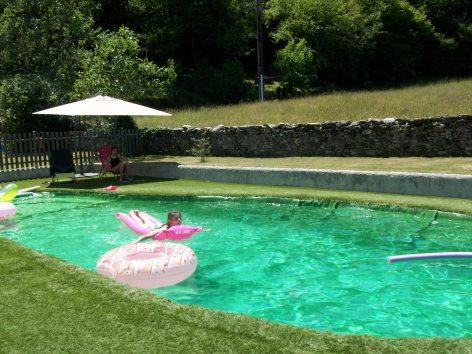 4-B-B-escot-detente-piscine.JPG
