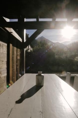 5-CORNIER-Le-Repaire-830-Table-vue-terrasse-lerepaire830-web.jpg