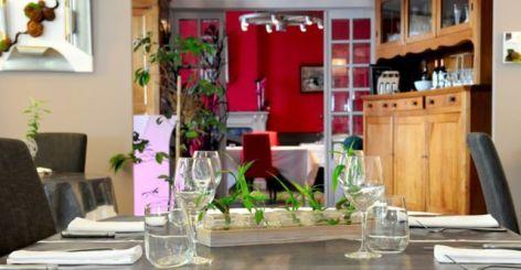 10-Restaurant-c3e831dbc1574f8488decc5b7efe3362.jpg