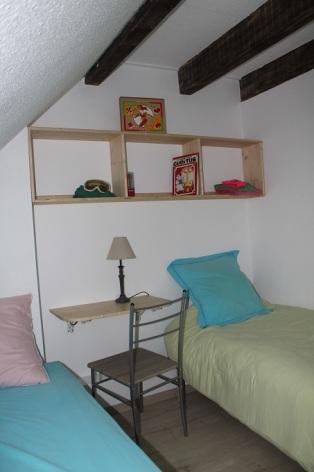 5-gite-des-4-chardons-chambre-cote-village.jpg-SIT.jpg