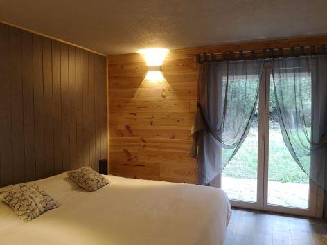 0-Chambre-d-hotes-L-Imprevu-chambre-jacuzzi.jpg