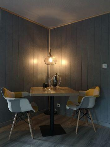 2-Chambre-d-hotes-L-Imprevu-table.jpg