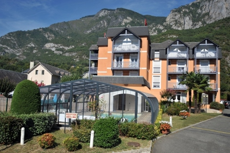 1-hotelchezpierredagos-vueexterieure-agosvidalos-HautesPyrenees.jpg