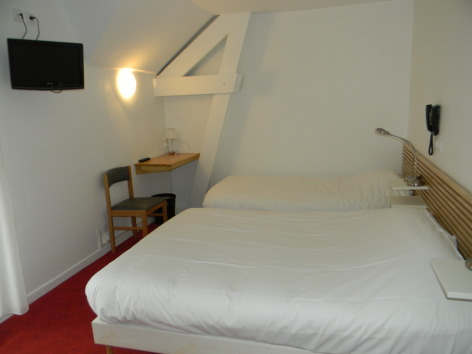 3-chambrehotelchezpierredagos-agosvidalos-HautesPyrenees.jpg.JPG